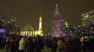 Churchill Square, Christmas tre, lights
