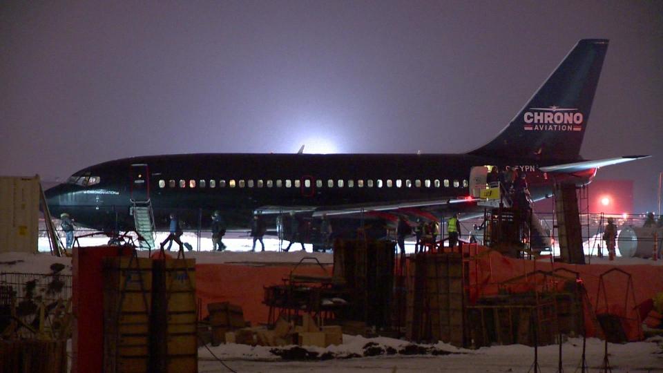 Emergency plane landing at Saint-Hubert airport