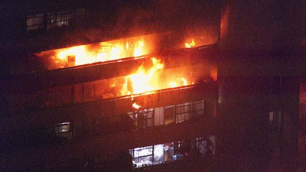 Massive fire breaks out at North York apartment building