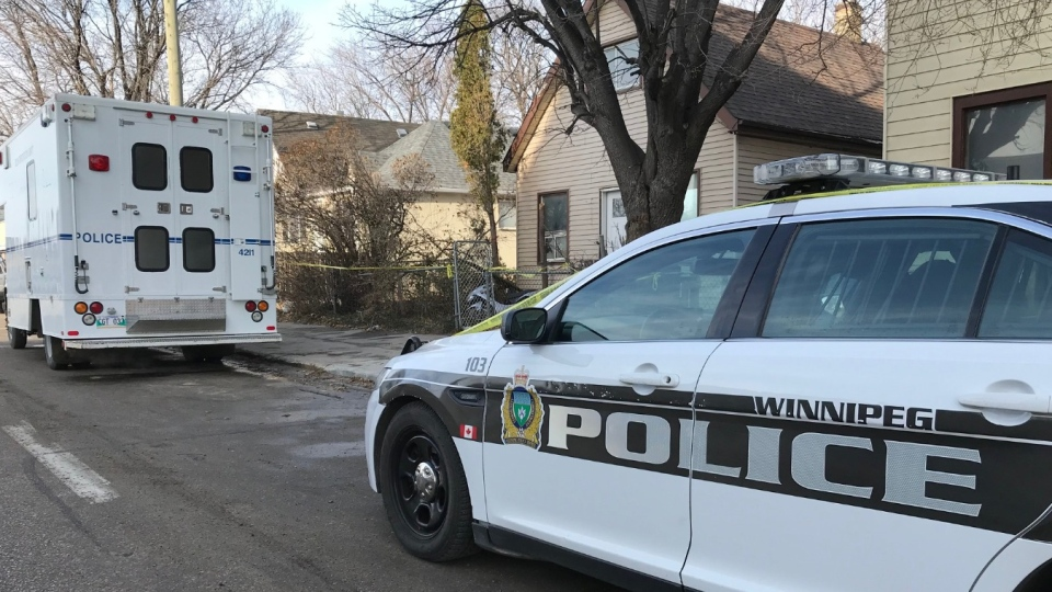 Police investigate the death of Dustin Cree Baker, Winnipeg's 41st homicide of 2019. (Mike Arsenault / CTV News Winnipeg)