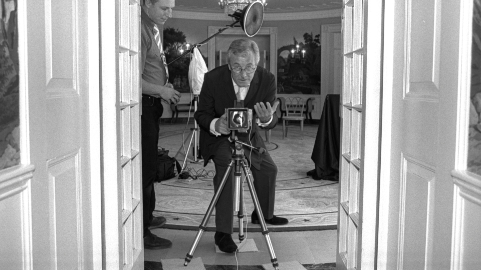 Terry O'Neill photographing Laura Bush at the White House, 2001. (Terry O'Neill/ Iconic Images)