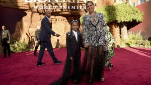 Beyonce, right, and her daughter Blue Ivy Carter arrive at the world premiere of 'The Lion King' in L.A., on July 9, 2019. (Chris Pizzello / Invision / AP)