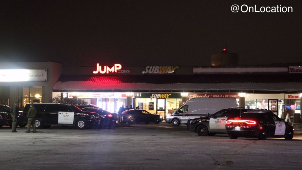 Officers responded to the report of a robbery at the Subway in the 13000 block of Tecumseh Road in Tecumseh, Ont., on Sunday, Nov.17, 2019. (Courtesy _OnLocation_ / Twitter)