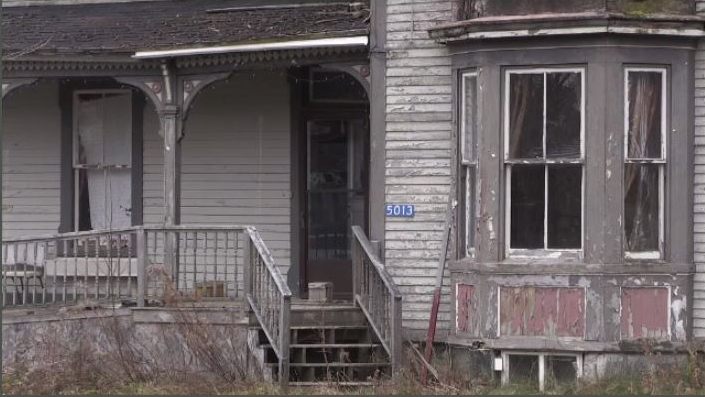 Abandoned homes in N.B. community are a safety issue