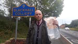 """Detective Constable John Forster of Peterlee CID has praised villagers in Blackhall Colliery, England, for their """"incredible community spirit"""" after 13 bundles of money have turned since 2014. (Peterlee Police/Facebook)"""