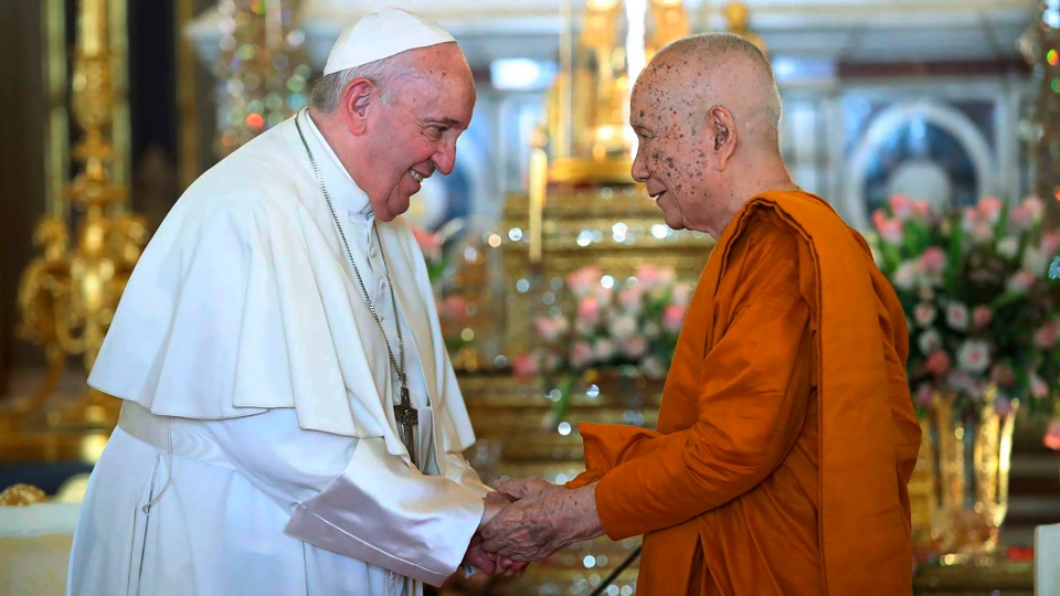In this photo released by Wat Ratchabophit Sathit Maha Simaram Temple, Pope Francis, left, visits the Supreme Buddhist Patriarch of Thailand Somdet Phra Sangkharat Sakonlamahasangkhaparrinayok at the temple in Bangkok, Thailand Thursday, Nov. 21, 2019. (Wat Ratchabophit Sathit Maha Simaram Temple via AP)