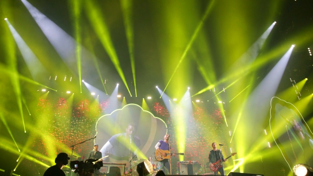 Coldplay performs at the FedEx Field on Sunday, Aug. 6, 2017, in Landover, Md. (Photo by Brent N. Clarke/Invision/AP)