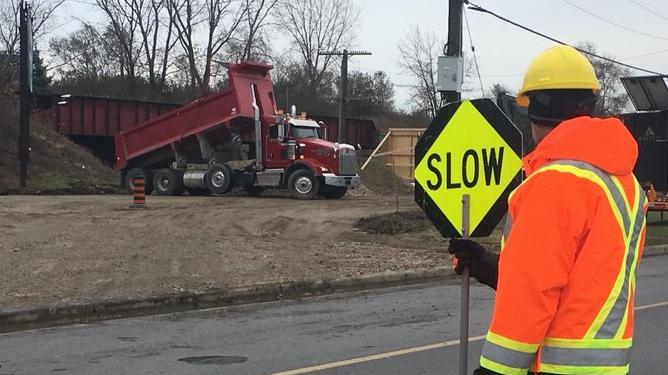 Dougall Avenue construction in Windsor, on Thursday, Nov. 21, 2019. (Chris Campbell / CTV Windsor)