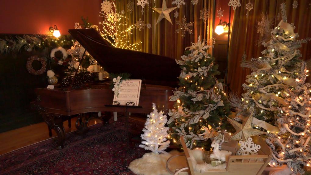 Lougheed house 2019 Christmas