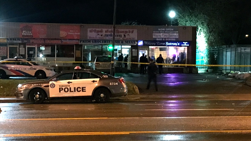 Emergency crews investigate a shooting outside of a Scarborough bar on Nov. 22, 2019. (CTV News Toronto)