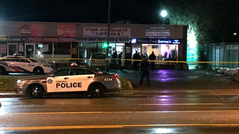 Emergency crews investigate a shooting outside of a Scarborough bar on Nov. 22, 2019. (CTV News Toronto)