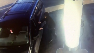 Passenger escapes carjacking