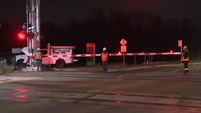 High winds blamed for temporary LRT shutdown