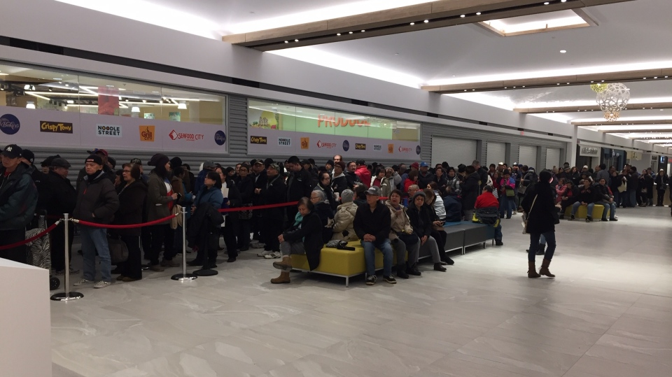 The line up inside the mall ahead of the 9 a.m. opening of the new grocery store. (Gary Robson/CTV News Winnipeg.)