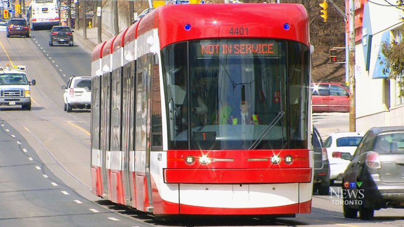Streetcar service remains suspended along Queen Street for morning rush