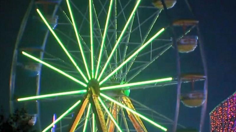 Ferris wheel loses beam during ride