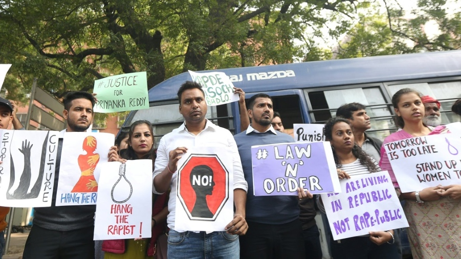 Protesters in New Delhi hold a demonstration demanding justice after the rape and murder case of the veterinarian in Hyderabad. (AFP)
