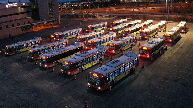Buses idling in case LRT breaks down