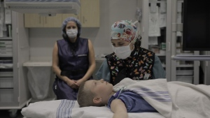 Hypnosis is used on a young patient at the Montreal Children's Hospital (courtesy: Montreal Children's Hospital)