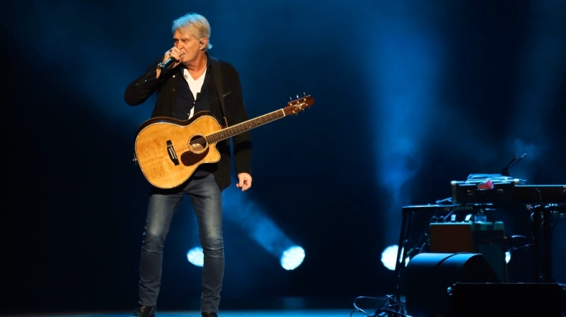 Tom Cochrane performs at Caesars Windsor on Dec. 6, 2019. (Melanie Borrelli / CTV Windsor)