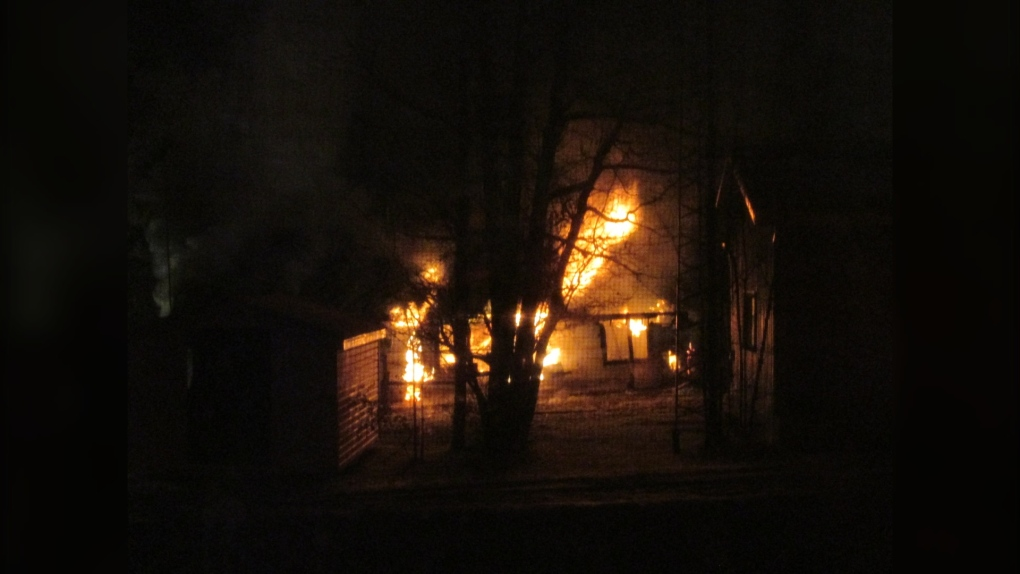 Rochfort Bridge community shocked, confused after 5 found dead after fire