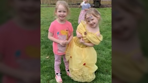 4-year-old twins rescue themselves from crash