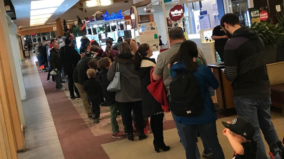 Hundreds line up for Spooky Santa