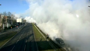 Steam from broken pipe causes chaos on roads