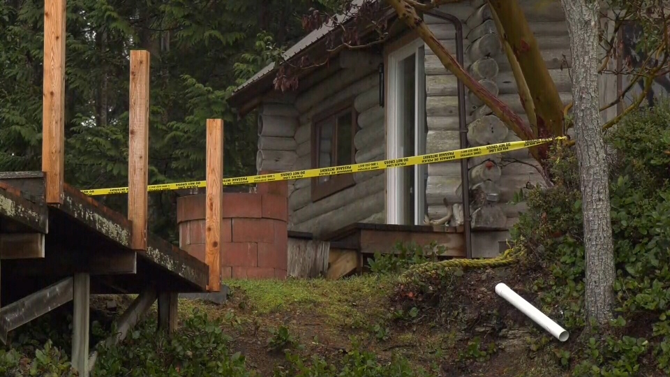 Following a deadly plane crash on Gabriola Island, a home sits behind police tape on Dec. 11, 2019. (CTV Vancouver Island)