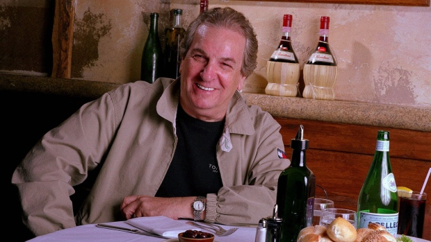 Danny Aiello at Gigino restaurant in New York, on July 28, 2001. (Jim Cooper / AP)
