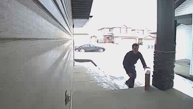 Special delivery: How couriers are trained to spot a porch pirate