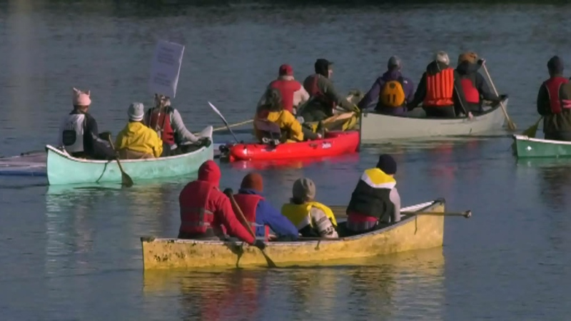 Paddling protest takes aim at TMX