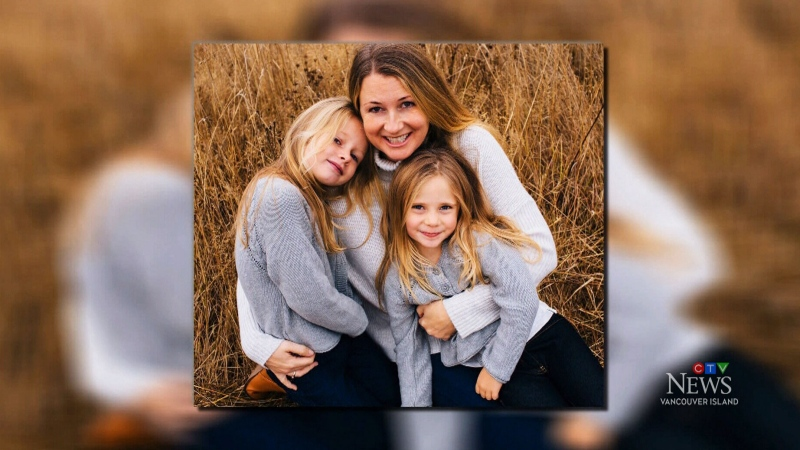 Sarah Cotton-Elliott is pictured with her two daughters, Chloe and Aubrey.