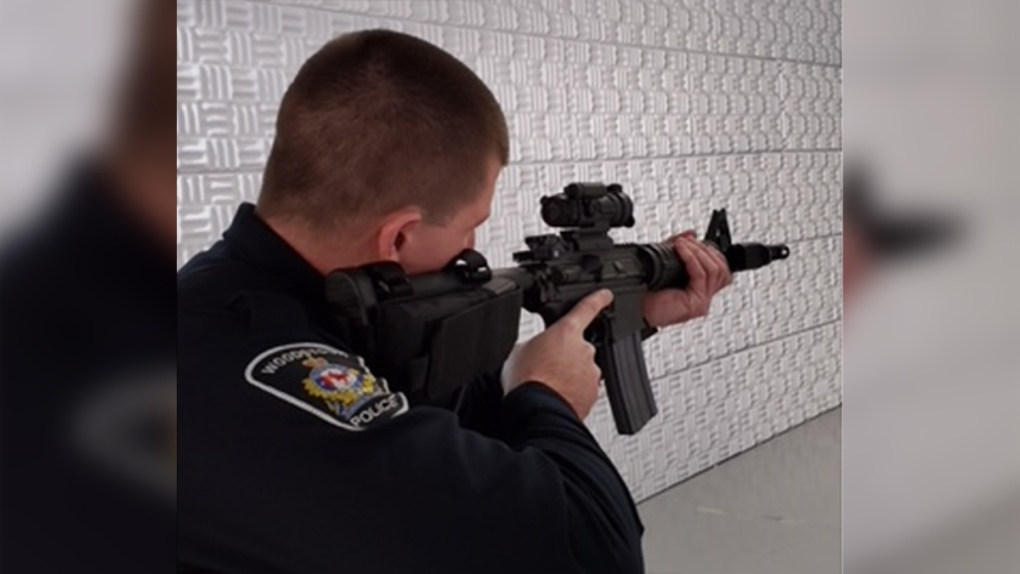 Woodstock police officer uses rifle