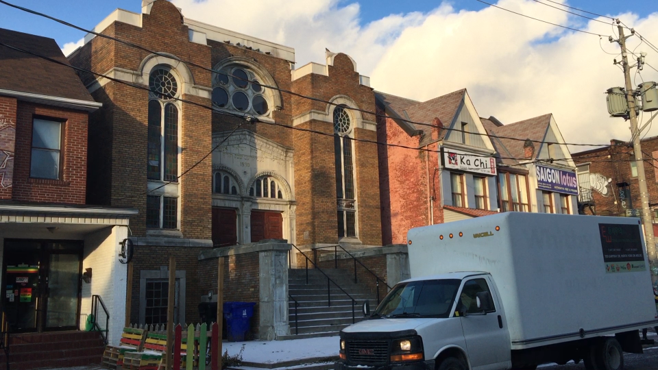 The Anshei Minsk Synagogue, built in 1930, is located in Toronto's Kensington Market neighbourhood, just steps from Chinatown. (Marlene Leung / CTVNews.ca)