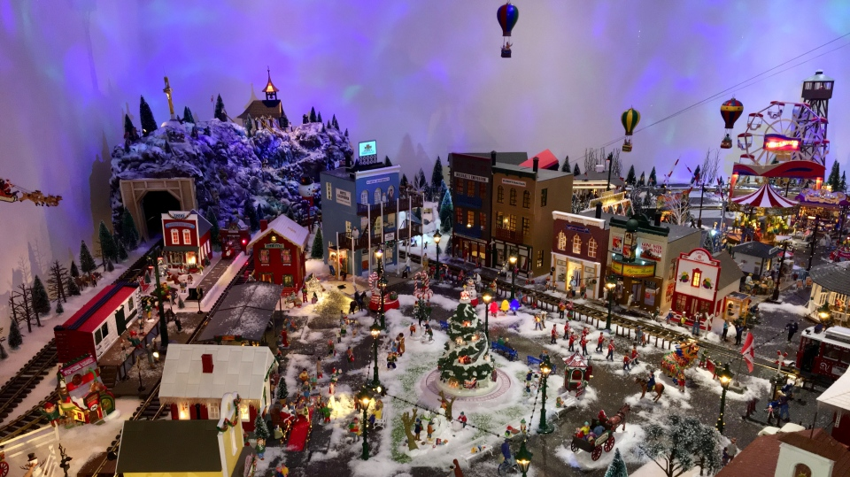 A Christmas village in Don Savario's home, made up of thousands of individual pieces. (Gareth Dillistone/CTV News)