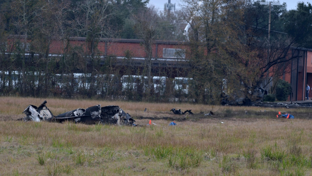 5 dead in Louisiana plane crash: fire official