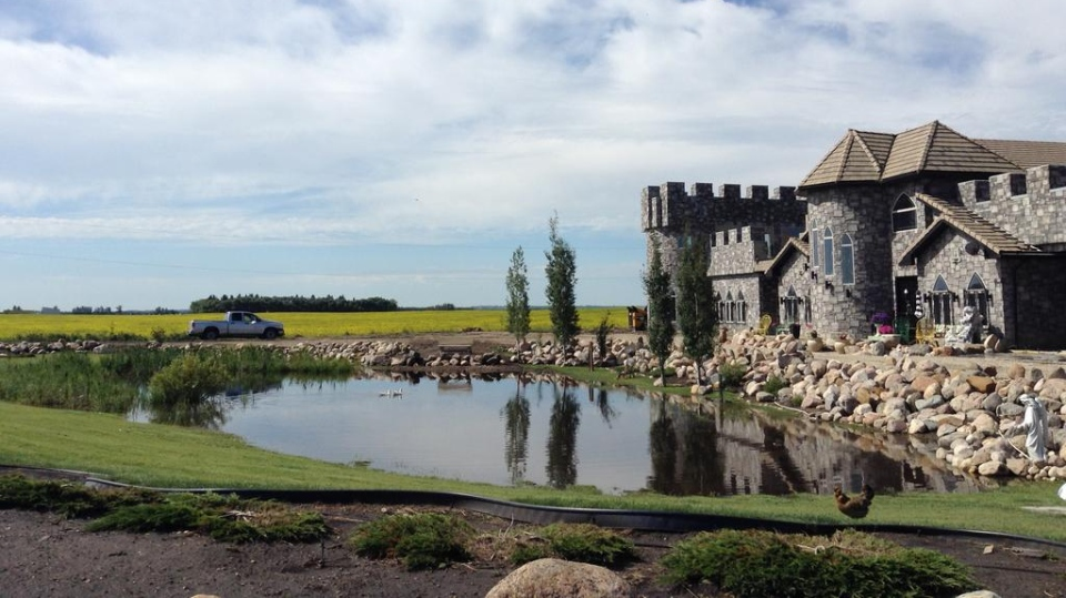 QAlberta castle