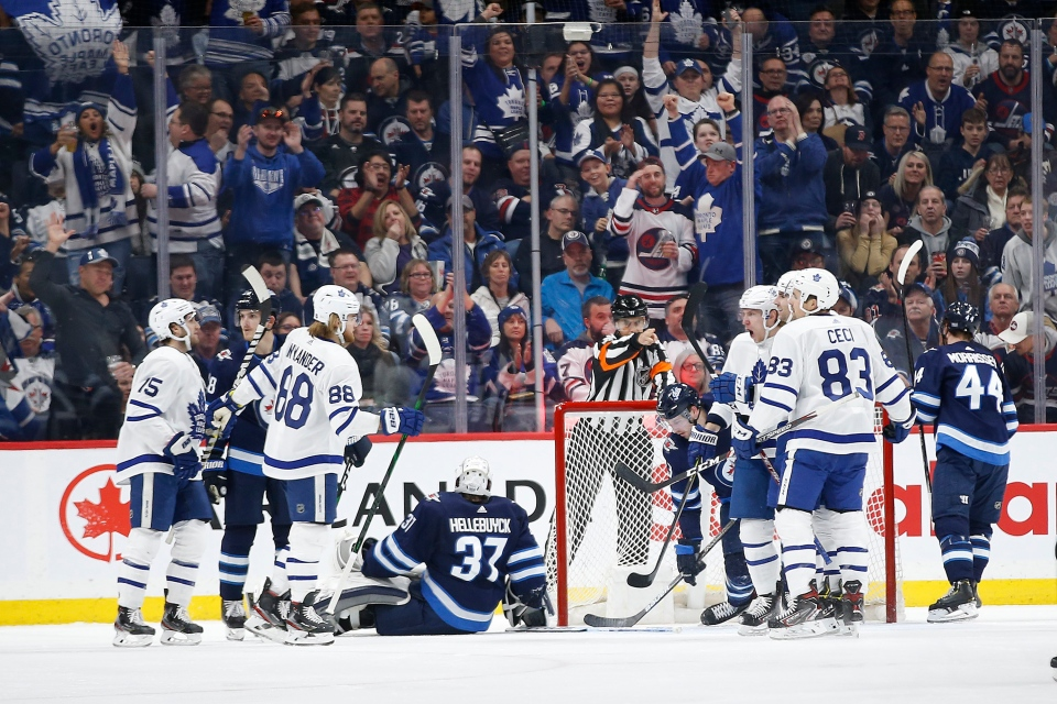 Jets lose to Leafs