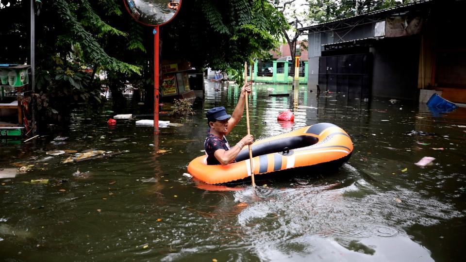 indonesia flooding