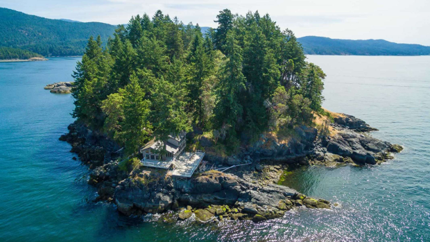 Whitestone Island, located in B.C. and listed on the Private Islands Inc. website, is shown.