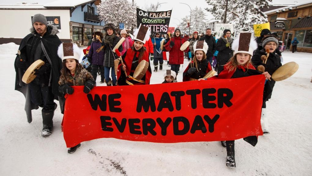 Wet'suwet'en supporters pipeline