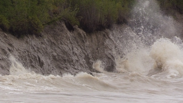 High waves in Goderich