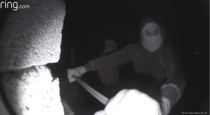 Doorbell camera captures break-in