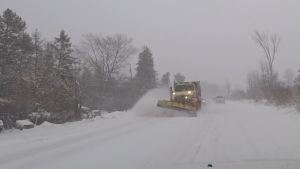 Snow squalls wreak havoc on the roads in Collingwood on Thurs., Jan. 16, 2020 (Roger Klein/CTV News)