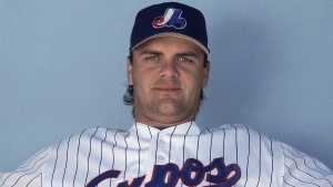 Montreal Expos right fielder Larry Walker in 1994. (THE CANADIAN PRESS / AP)