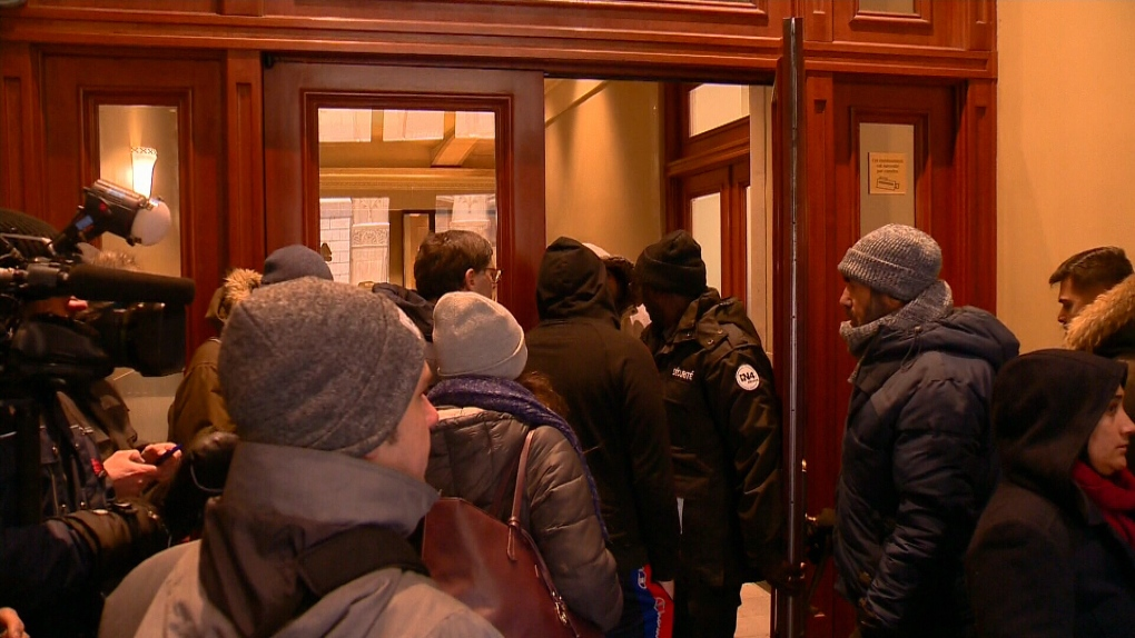 These Quebecers are lining up for days for a shot at sponsoring refugees