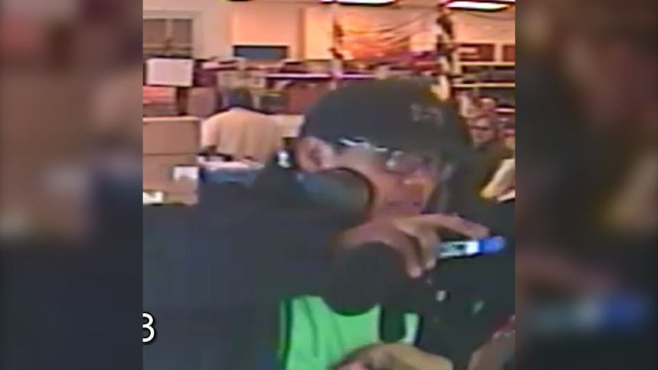 liquor store assault employee punched