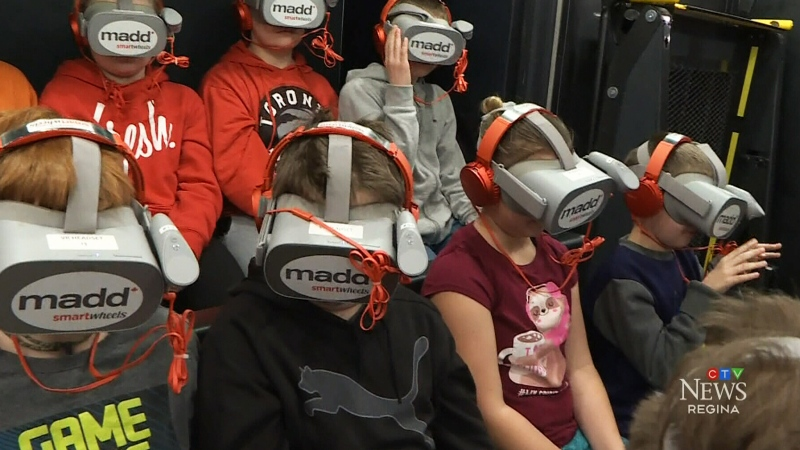 Students learn with virtual reality