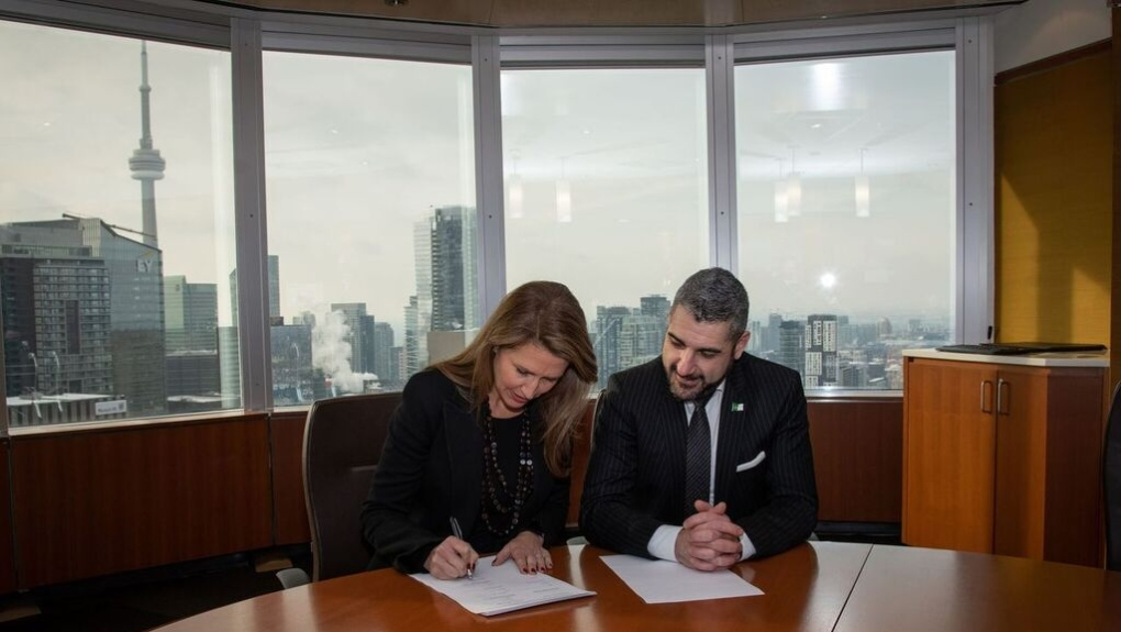 Agreement signing for Ontario's French university